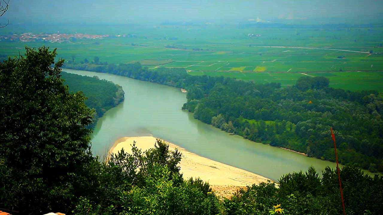 In bicicletta tra le risaie del Vercellese e le colline del Monferrato